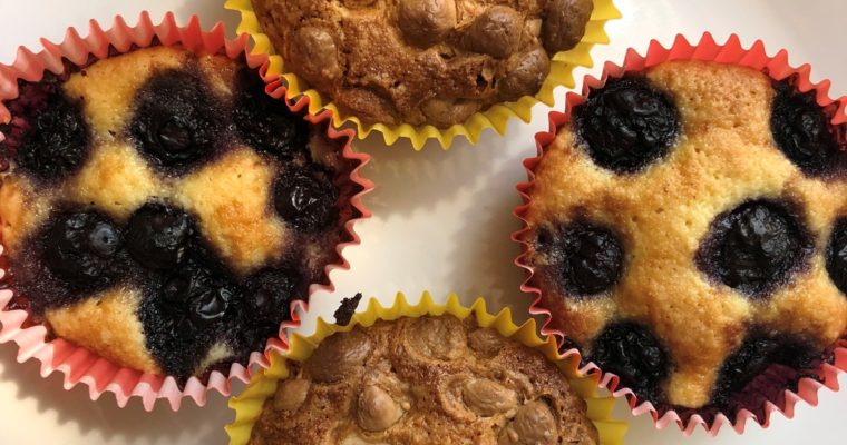 Muffins aux amandes chocolat blanc ou myrtilles (sans gluten)